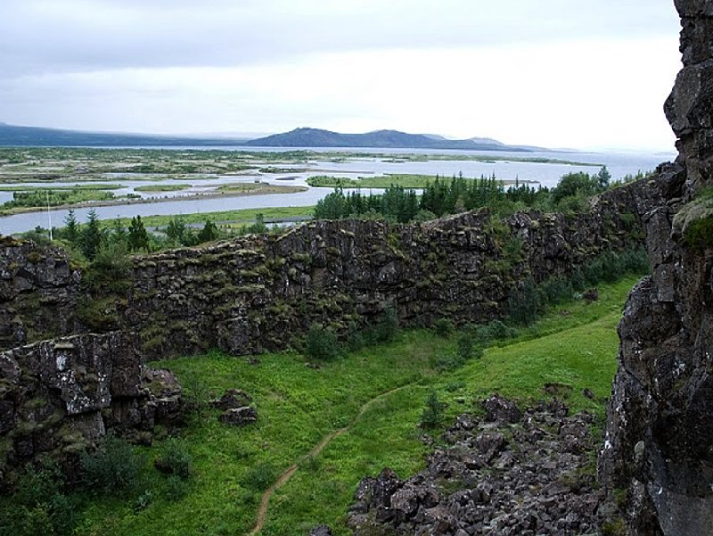 Photo Iceland adventure travel in Thingvellir writing