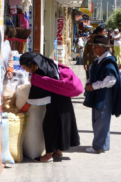 Photo Excursion to Otavalo market Ecuador smaller