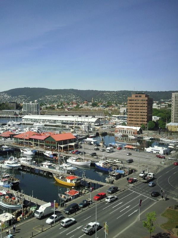 Photo Hotel in the heart of Hobart Saturday