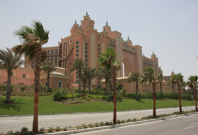 Photo Abu Dhabi Dubai hotels decided