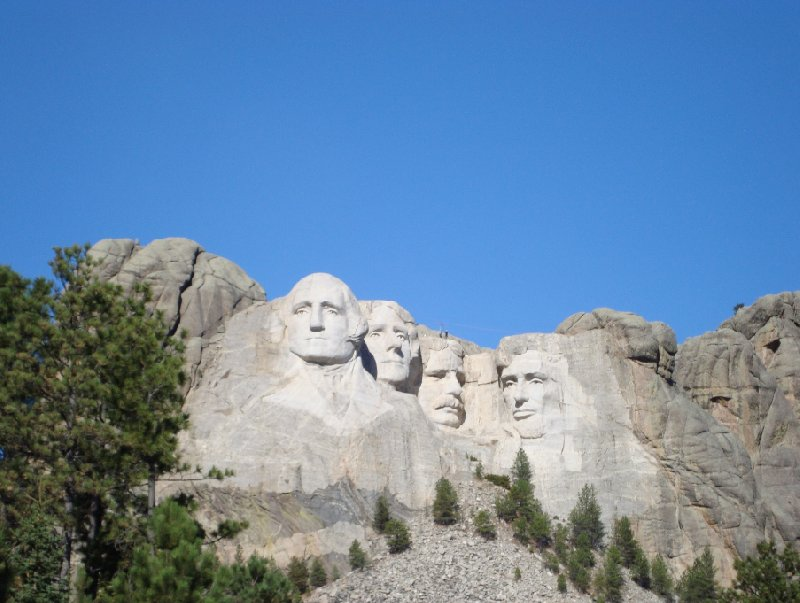 Photo Travel to Mount Rushmore in South Dakota through