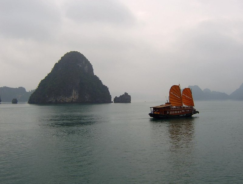 Emeraude Cruise Halong Bay Ha Long Vietnam Trip