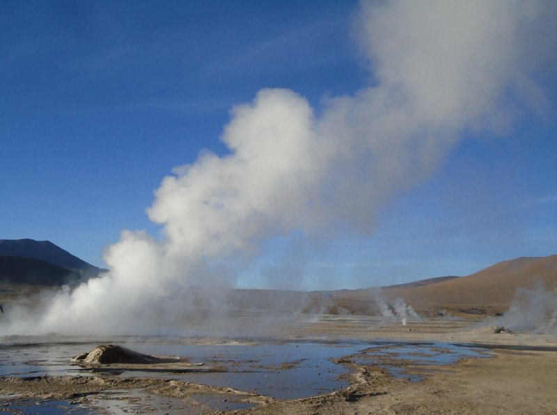Bus tour from Chile to Bolivia El Tatio Photographs
