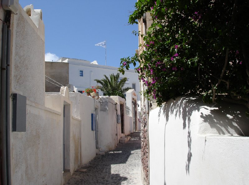 Romantic holiday in Santorini Greece Information
