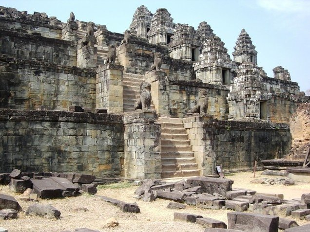 Tuk tuk temple tour in Siem Reap Angkor Cambodia Holiday Sharing