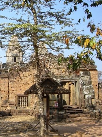 Tuk tuk temple tour in Siem Reap Angkor Cambodia Holiday Review