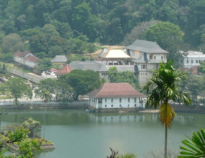 Kandy Sri Lanka Temple Tour Holiday Experience