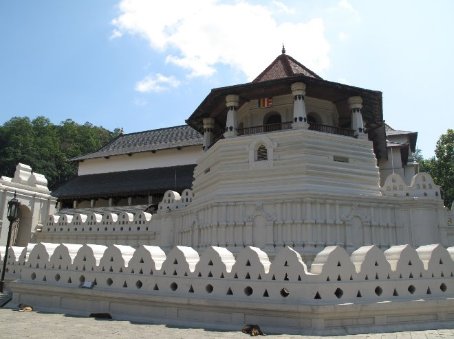 Kandy Sri Lanka Temple Tour Holiday Tips