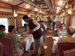 Photo Golden  Chariot  Luxury  Train  in india