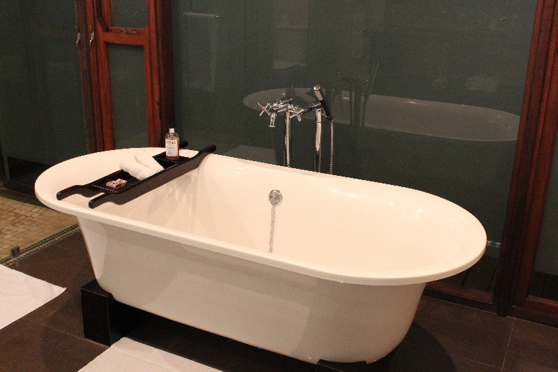 Bath tub at Arusha Coffee Lodge, Tanzania