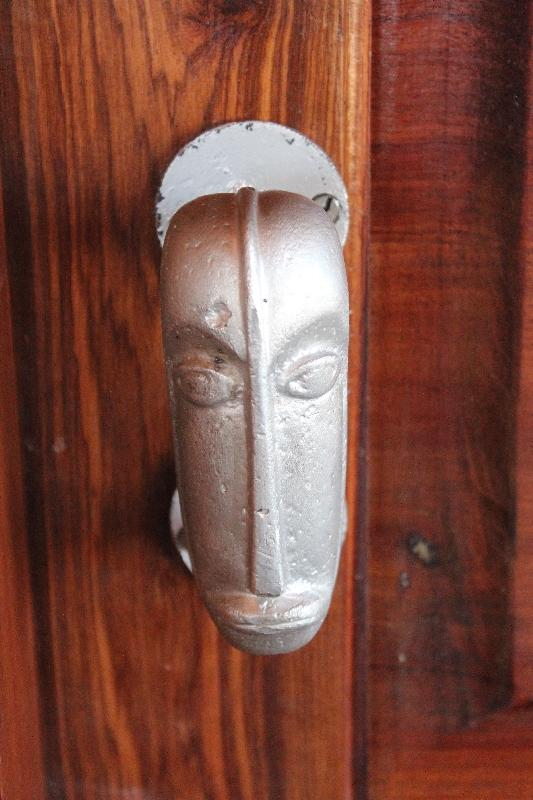 Details and wood carvings door knob, Tanzania