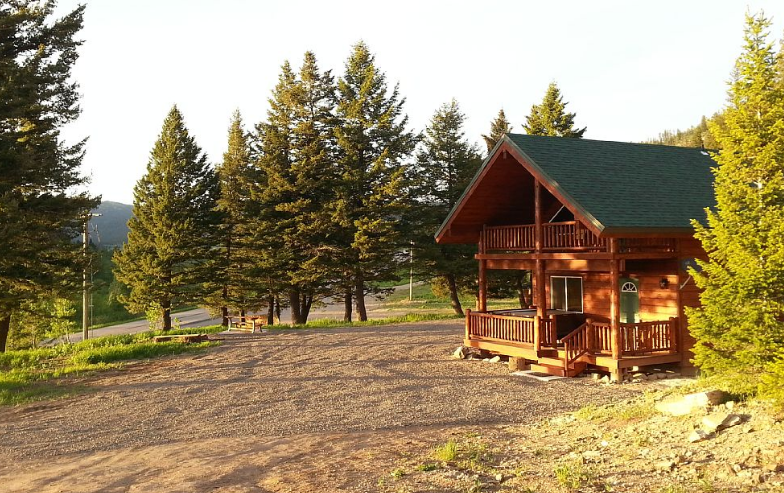 Photo Ski resort cabins in Island Park, ID