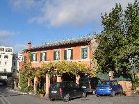 The entrance of Pagnanelli's in Castel Gandolfo