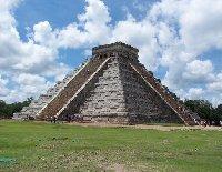 El Castillo temple pyramid, Chichen Itza