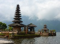 Bedugul Lake Bratan Temple Indonesia Picture gallery