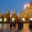 Photos of the Shwedagon pagoda in Yangon by night